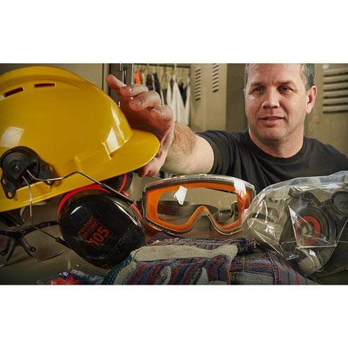 Personal Protective Equipment: Employee Essentials - Streaming Video Training Program (09329)